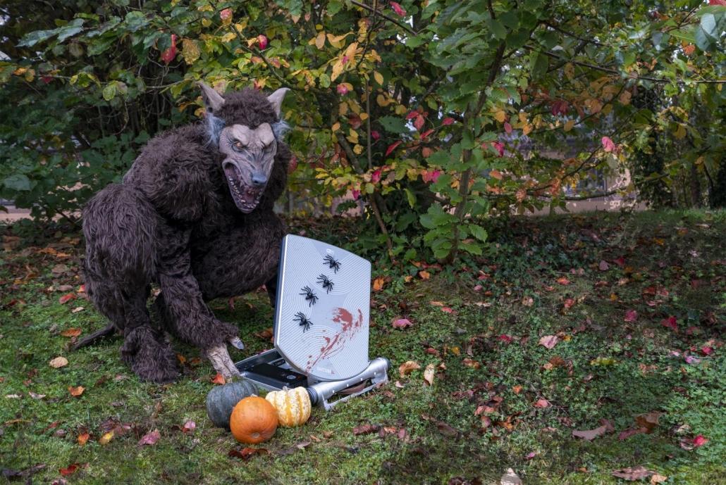 Halloween 2019 - Satcube satcom terminal on Intelsat airtime
